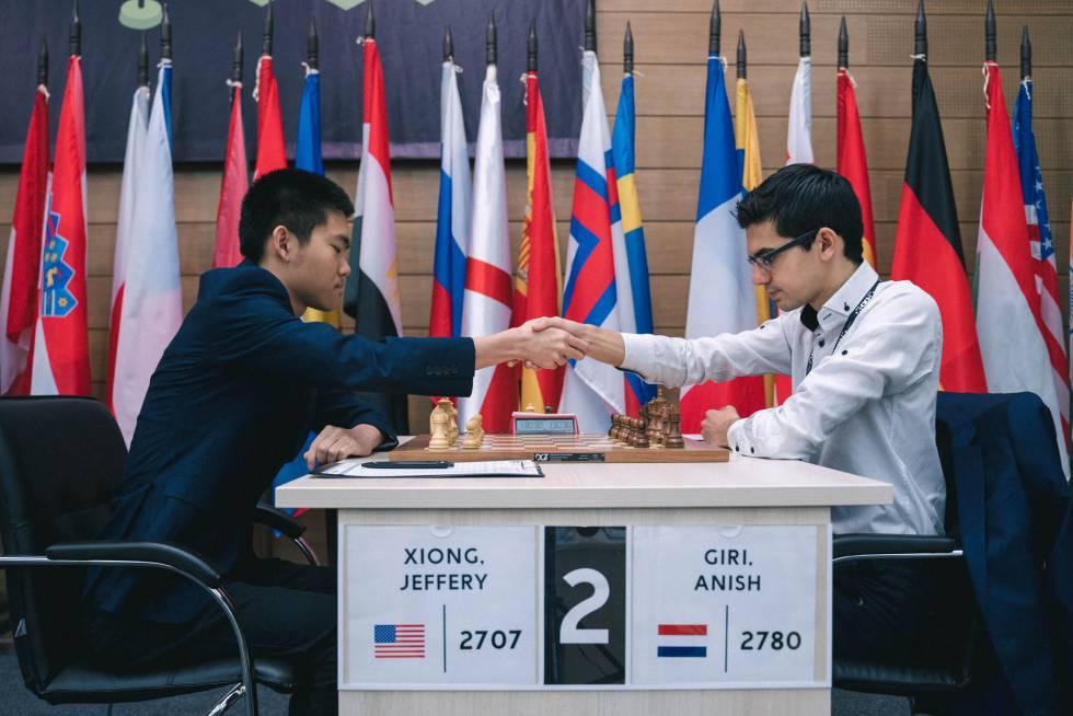 Inicio de la partida de hoy entre el estadounidense Jeffery Xiong, de 18 años, y el holandés Anish Giri, 2º cabeza de serie
