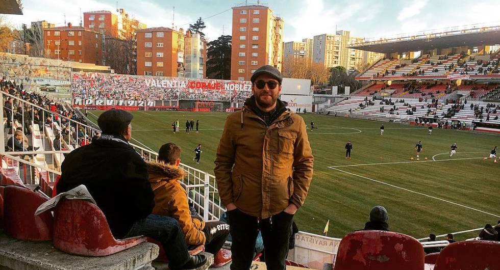 Ignasi Torné, en el estadio de Vallecas, la casa del Rayo Vallecano de Madrid.
