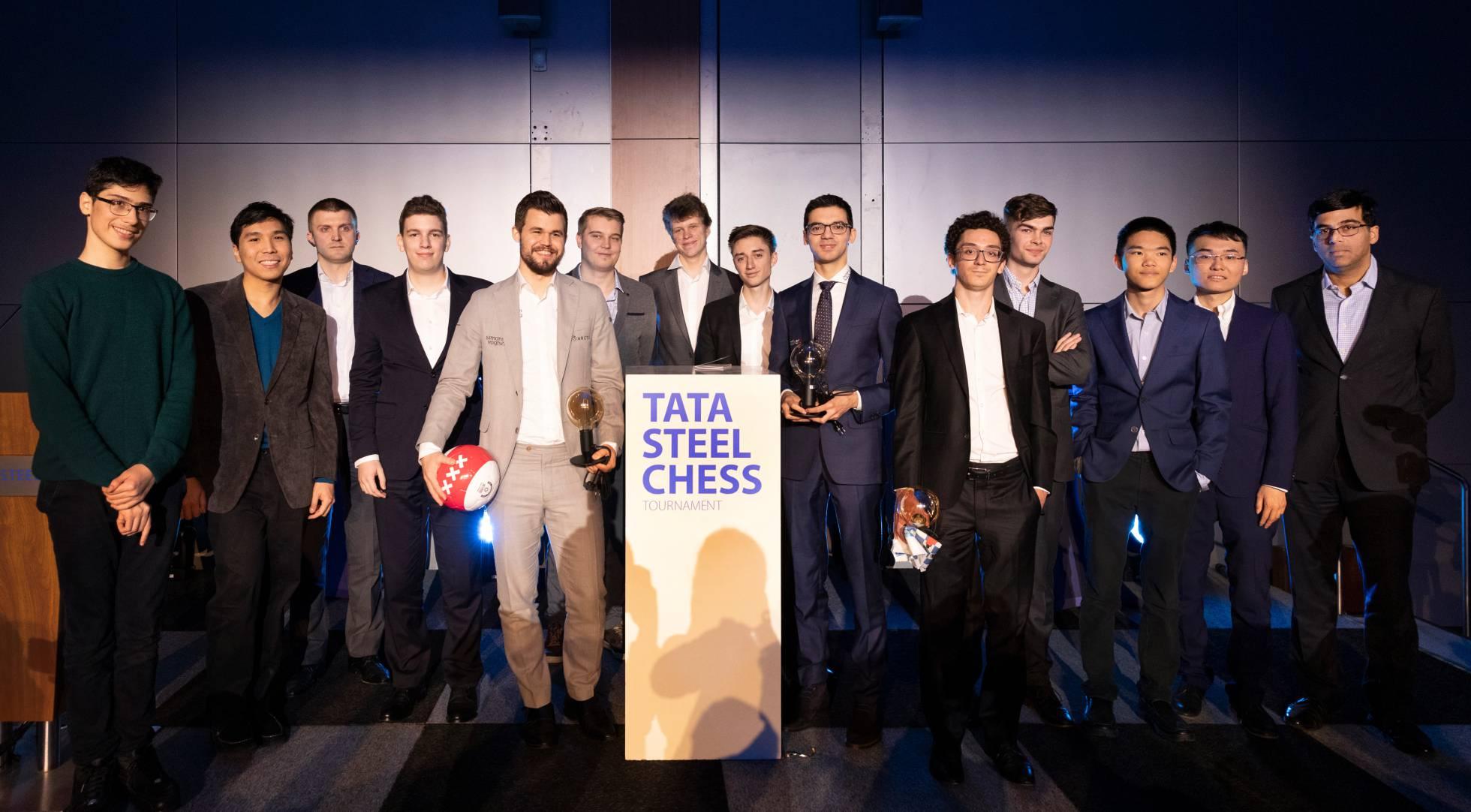 Los catorce participantes: Firouzja, So, Vitiugov, Duda, Carlsen, Kovalev, Artémiev, Dúbov, Giri, Caruana, Van Foreest, Xiong, Yu y Anand