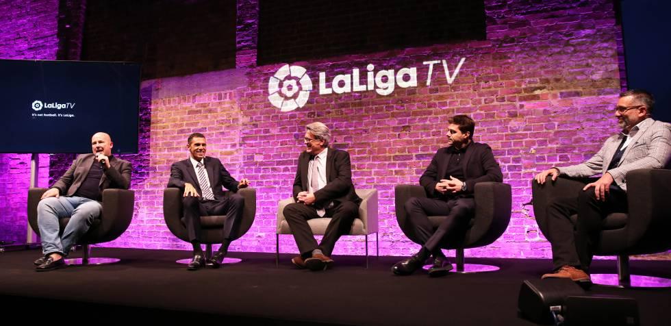 Von links nach rechts einige der Persönlichkeiten, die die Besetzung von LaLigaTV ausmachen: Graham Hunter, Gustavo Poyet, Simon Hanley, Mauricio Pochettino, der als besonderer Gast teilgenommen hat, und Guillem Balagué.