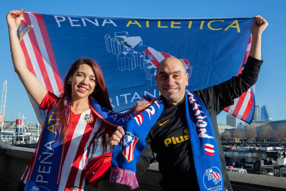 Antonio Sans vom Club Atlético Britannia und eine weitere Partnerin, María Isabel Sánchez.