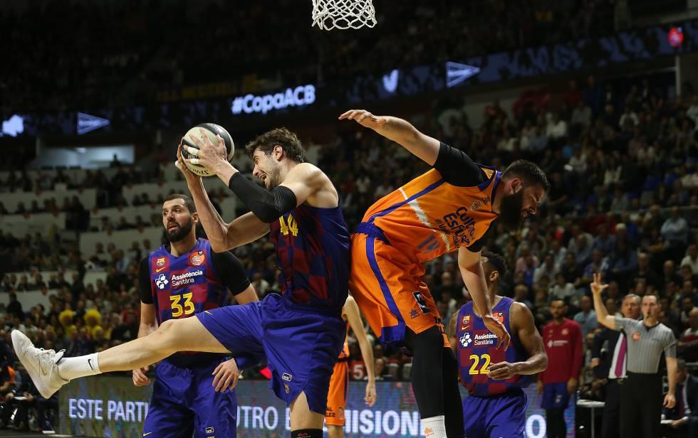 El Valencia Basket Semifinalista De La Copa Tras Derrotar Al Barcelona 78 82 Deportes El Pais