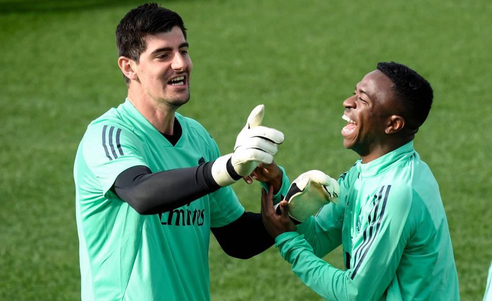 Real Madrid Courtois Equilibrista En La Montaña Rusa Deportes El País