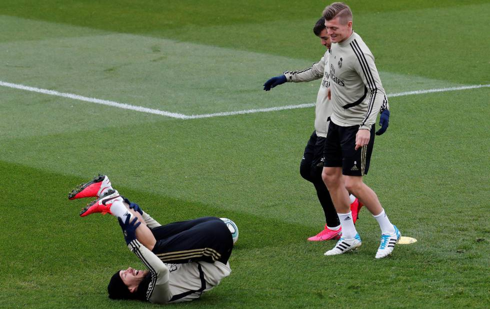 Brahim, Ramos y Kroos, durante el último entrenamiento.