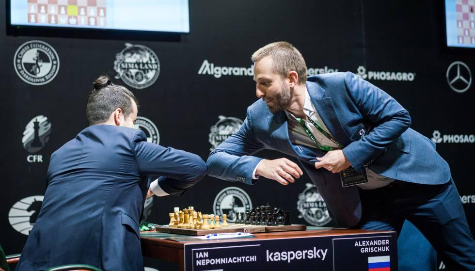 Saludo inicial en el duelo entre los dos rusos