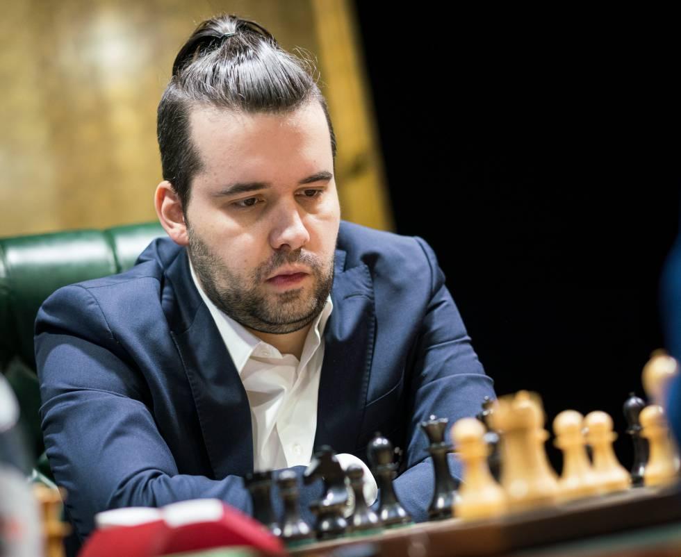 Ian Niepómniachi, al inicio de su partida de hoy frente a Fabiano Caruana