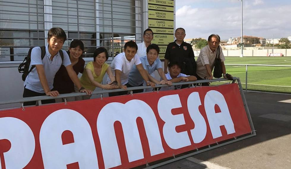 Yuriko Saeki, second from left, with representatives of the J.League and clubs from the third division of Japanese football, in the Villarreal CF sports city.
