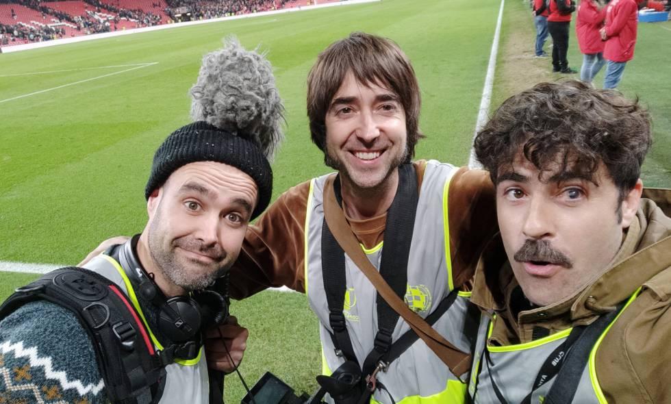 De derecha a izquierda, Gorka Bilbao, Zigor Etxebarria e Iñigo Azkue, el equipo de realización que siguió durante casi un año a Aritz Aduriz para la segunda temporada de Six Dreams.
