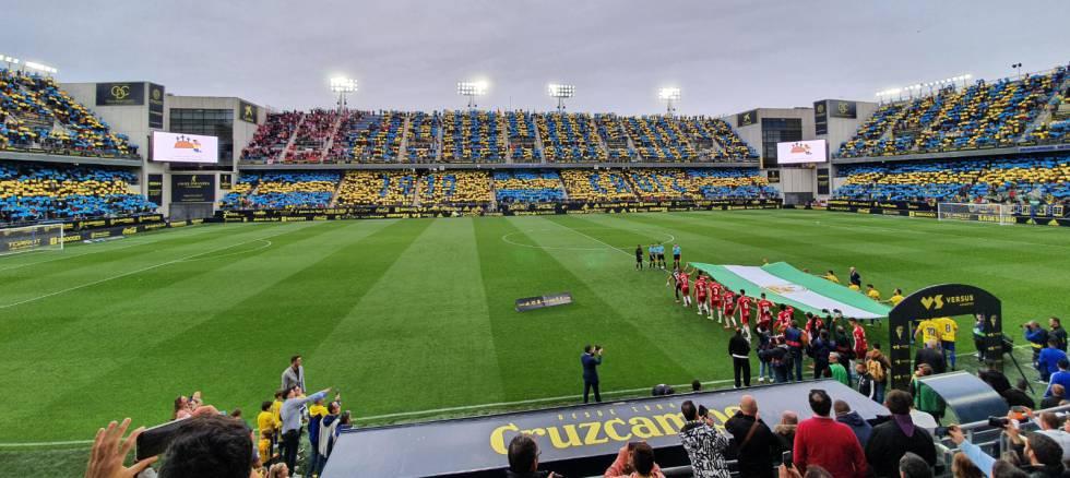 Así lucía el estadio Ramón Carranza en el último partido disputado allí con el público, el 29 de febrero de 2020, ante la UD Almería.