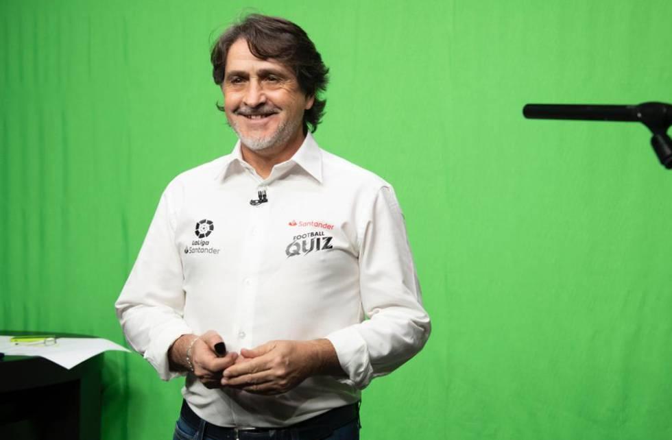 Raúl Ruiz, host of the Santander Football Quiz.