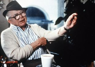 El director de cine Billy Wilder durante una entrevista.