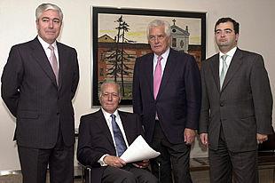 Fulgencio García Cuéllar, Luis Valls, Javier Valls y Ángel Ron, en una foto de 2001.