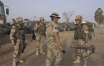 Los 143 Primeros Militares Espa 241 Oles En Irak Se Instalan