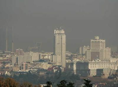 Vuelve la  boina negra  al cielo de Madrid  2c3d44d5f6c