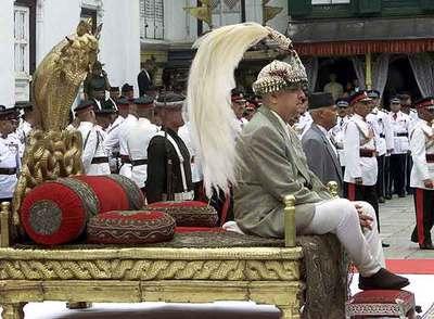 Resultado de imagen de Nepal fue una monarquía. L