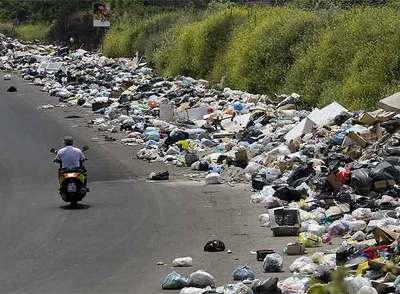 Resultado de imagen de napoles y la basura