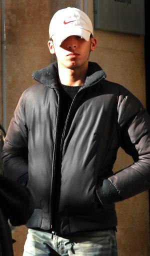Edgar Mauriz G. imputado por el homicidio de Aurora Mancebo, a la salida de los juzgados en enero de 2007 en Tarragona.