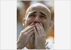 Andre Agassi pide