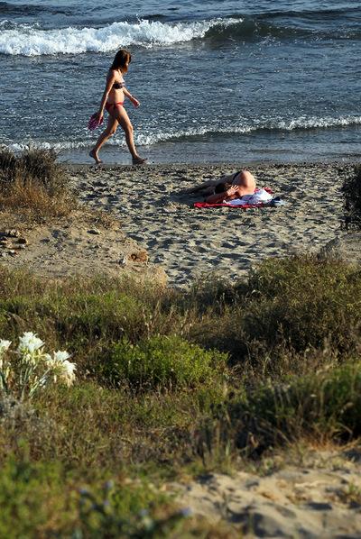 Pareja de maduros en la playa - 2 part 7
