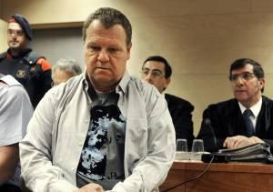 El celador durante la segunda sesión de juicio contra él en la Audiencia de Girona.