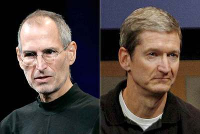 Steve Jobs (izquierda) y Tim Cook, de Apple.