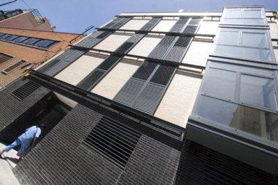 Hipoteca segura si compra el piso al banco econom a el for Piscinas desmontables segunda mano ebay