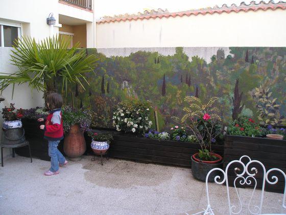Jardines y patios que alegran la vida vivienda el pa s for Jardines murales