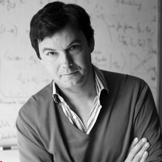 Thomas Piketty en su despacho en la Escuela de Economía de París, en junio de 2013