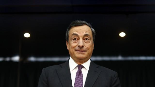 O presidente do BCE numa entrevista coletiva esta quinta-feira.