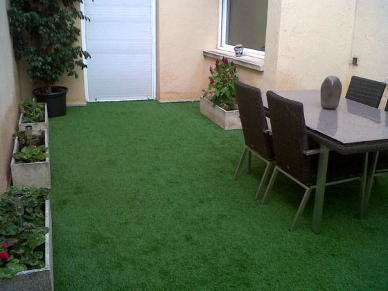 Cesped artificial terraza fabulous with cesped artificial - Terraza con cesped artificial ...