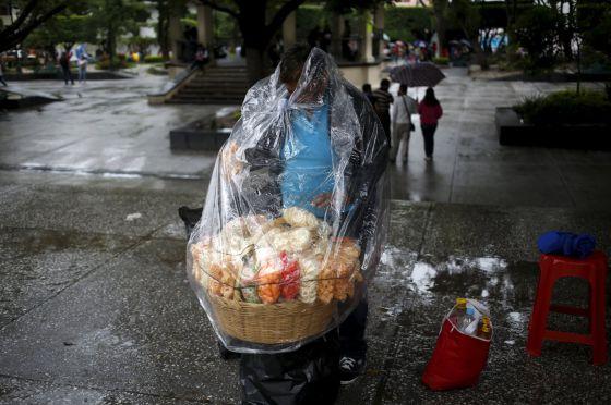 El Gobierno mexicano fija el salario mínimo en cuatro dólares diarios