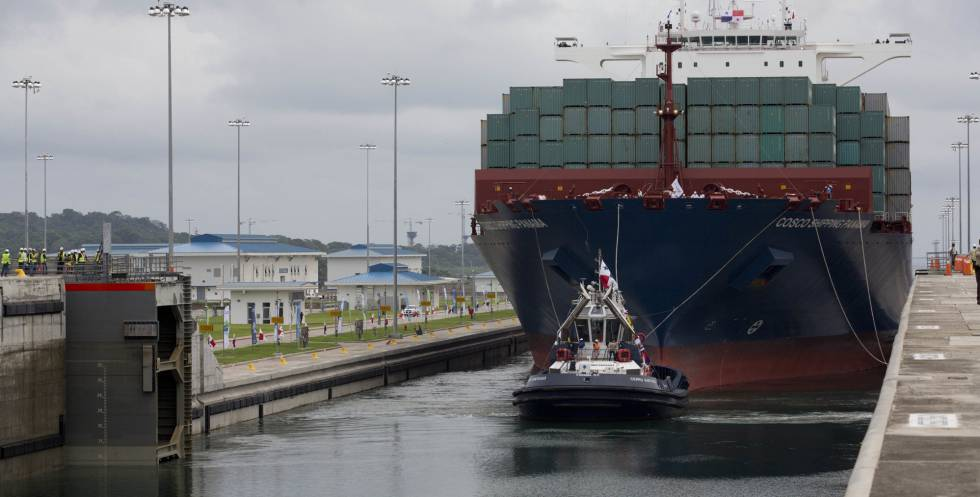 The 'Cosco Shipping Panama' crosses the new Panama Canal.