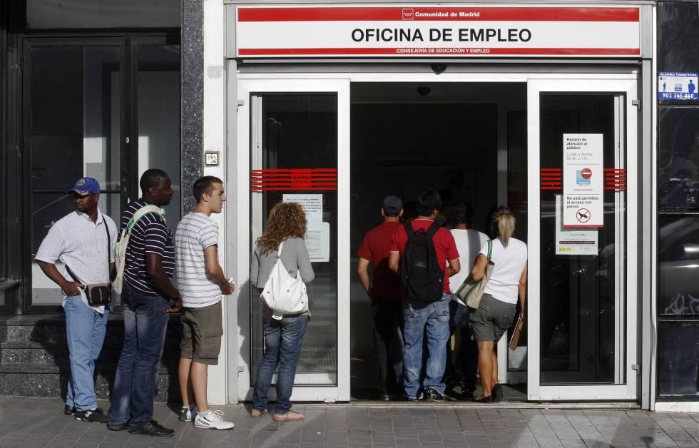 L atur creix a catalunya en persones a l agost for Oficina atur