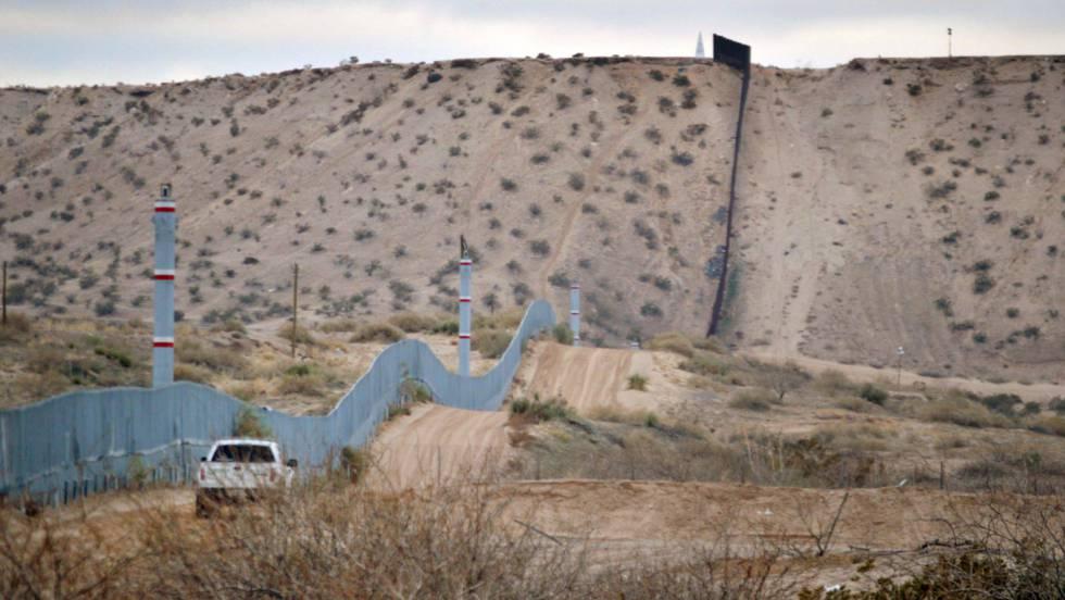 Una cementera mexicana se ofrece a construir el muro de Trump