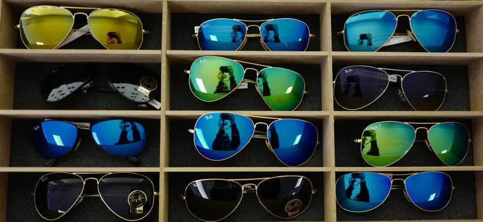 ee63f91919 Gafas de la marca Ray-Ban, una de las más famosas de la marca