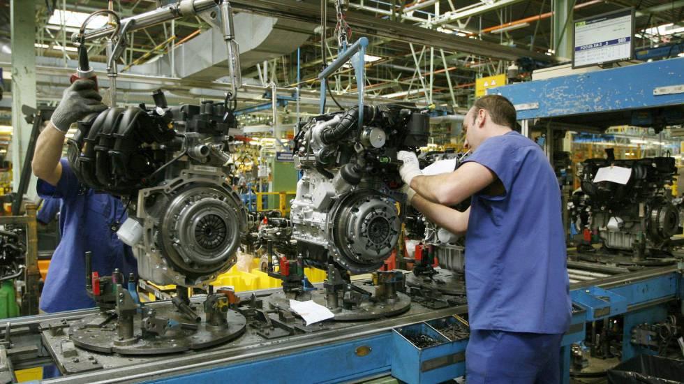 Una cadena de montaje de la factoria de Ford en Almussafes (Valencia)