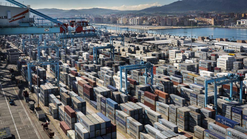 Vista general del puerto Bahía de Algeciras.