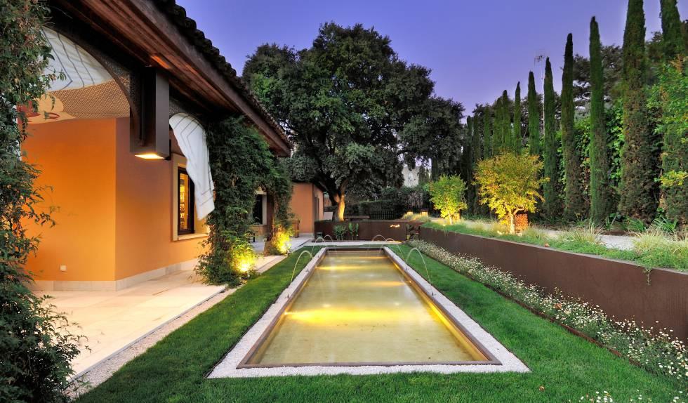 Superieur Jardín Diseñado Por Fernando Pozuelo En Una Vivienda De La Localidad  Madrileña De Pozuelo De Alarcón