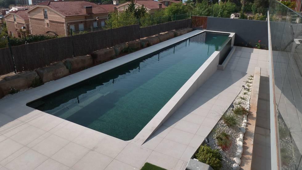 Piscinas privadas a la ltima econom a el pa s for Construccion de piscinas de concreto