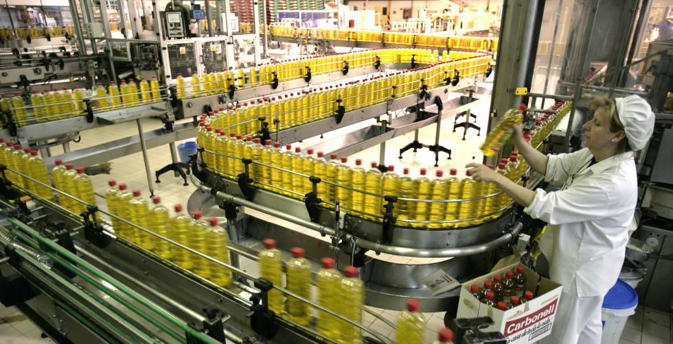 Una planta de Carbonell, marca propiedad del grupo Deoleo