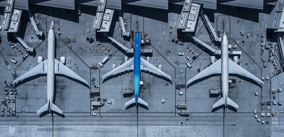 Las aerolíneas vuelan en un cielo saturado y agitan la guerra de precios