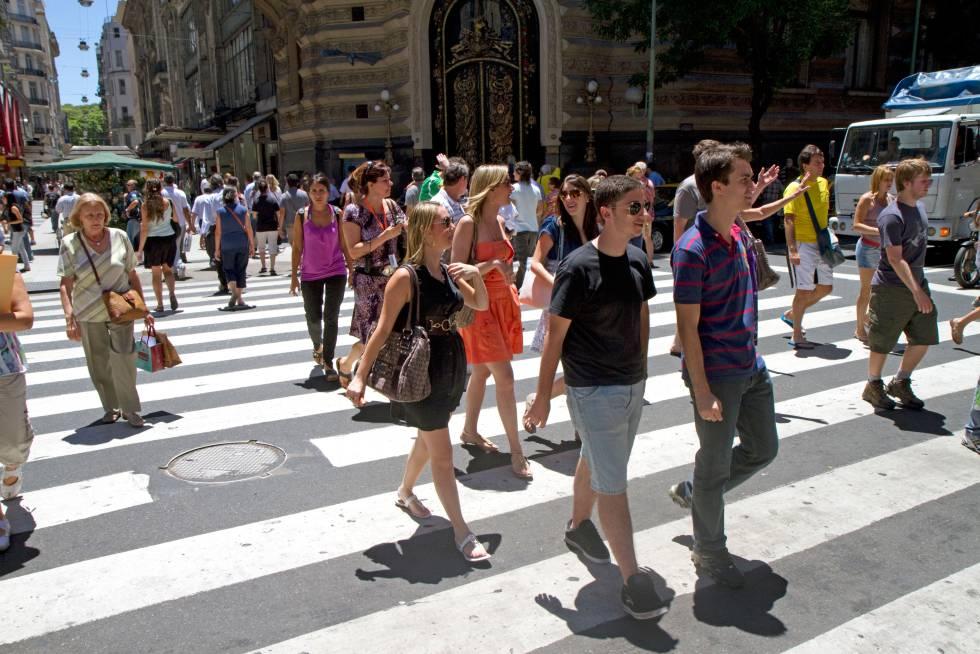 Ciudadanos en el centro de Buenos Aires