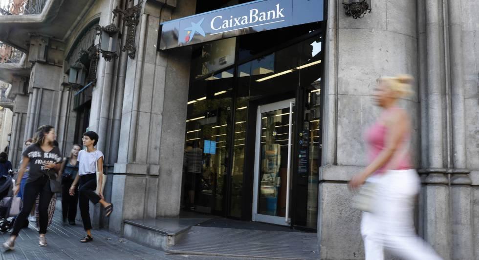 Caixabank usar un decreto urgente del gobierno para for Oficinas caixabank madrid