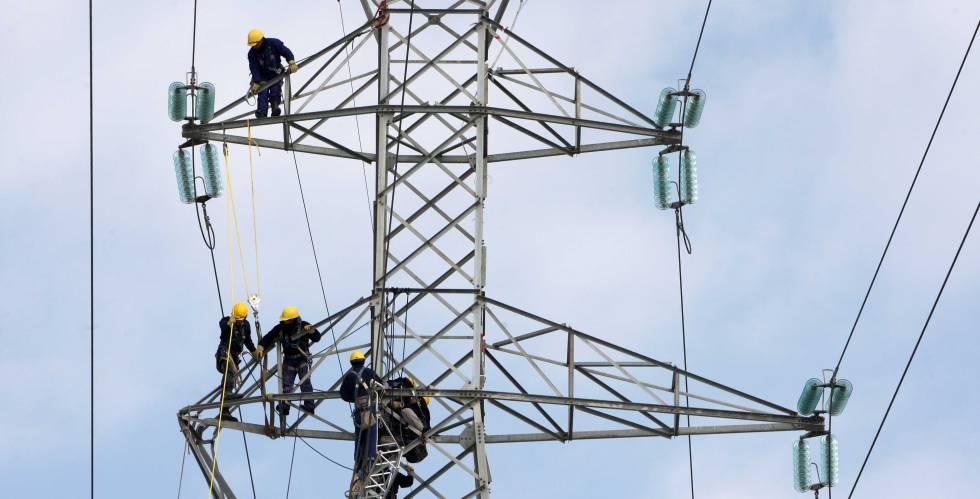 El precio de la electricidad alcanza esta tarde el máximo en lo que va de año