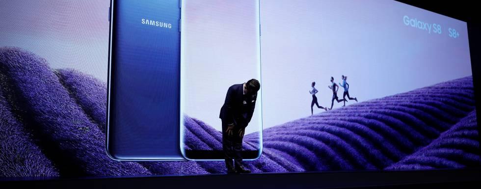 Koh Dong-jin, presidente de Samsung Electronic durante la presentación del Galaxy S8.