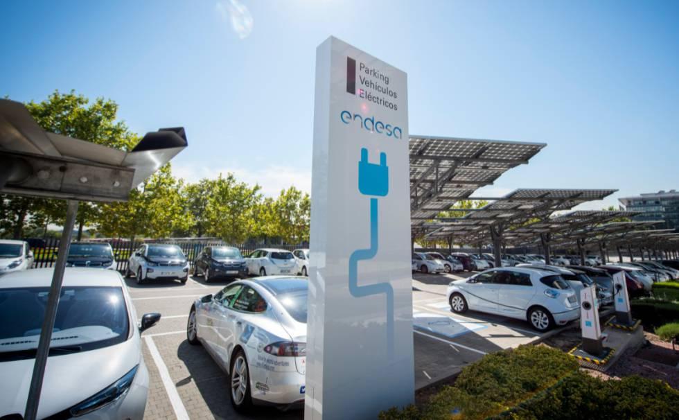Parking de coches eléctricos de Endesa.