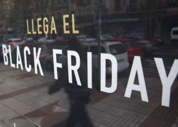 Escaparate durante el Black Friday en Madrid.