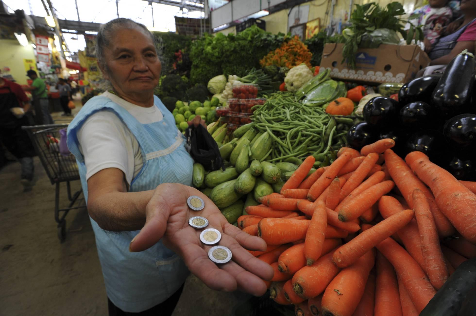 1515809534 735491 1515810275 noticia normal recorte1 - Poder adquisitivo de los trabajadores mexicanos cayó 81%