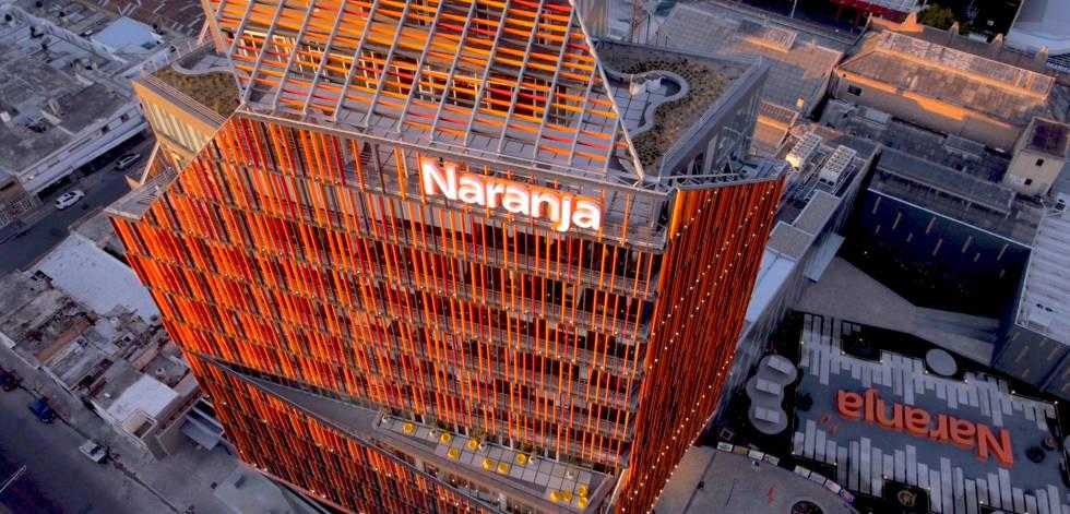 Vista de Casa Naranja, la sede de Tarjeta Naranja en Córdoba (Argentina).