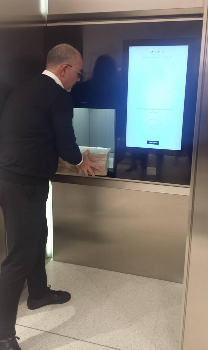 Cajeros entrega pedidos automáticos Zara